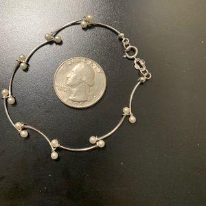 Jewelry - Silvertone & Faux Pearl Bracelet